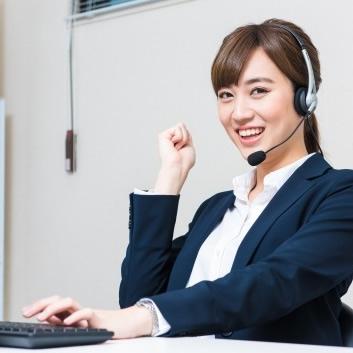 仕事に張り切る女性